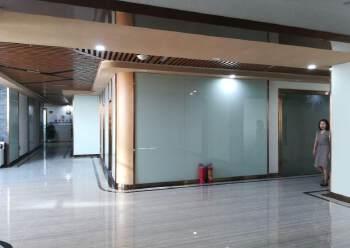 长安轻轨站边新出豪华装修写字长安轻轨边新出楼上写字楼500平图片2