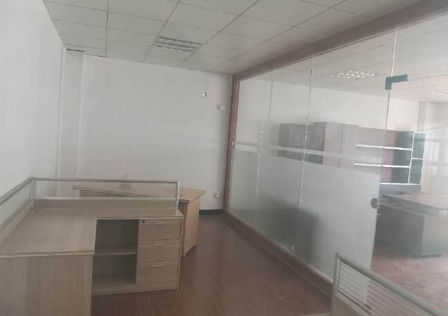 深圳公明新出独院楼上整层厂房