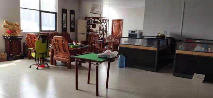 横沥镇原房东出租标准厂房五楼1500平方无公摊精装修办公室