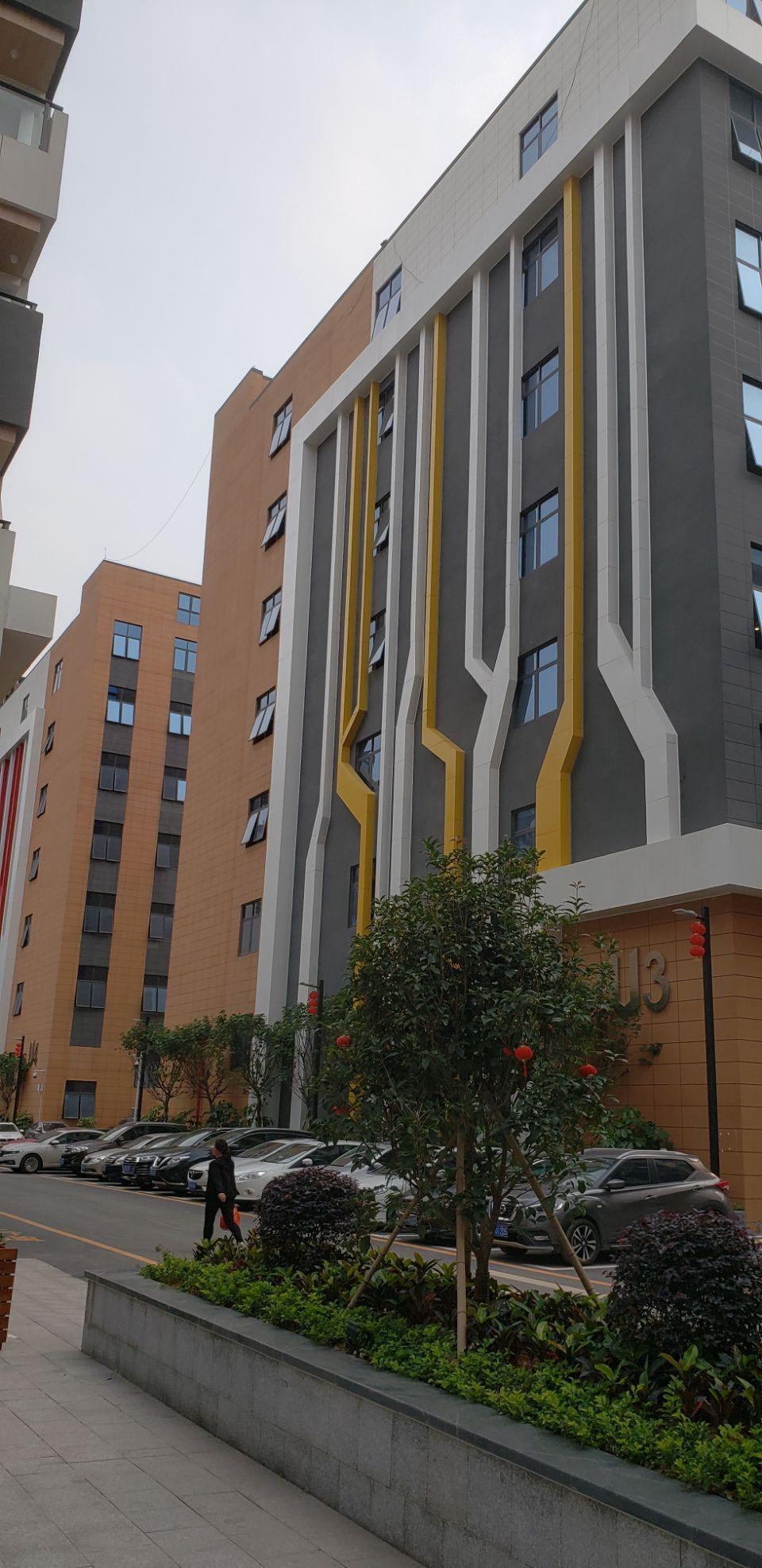西乡固戍地铁口附近新出楼上整层3500平出租园区有高新补贴-图2