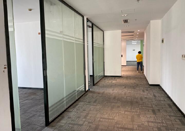 免佣出租一手业主南联地铁口485平豪华装修办公室图片4