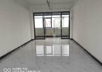 精装修办公室60-300平方出租图片5