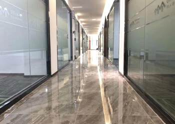 豪华装修!环境优美!龙华清湖地铁口多间办公室出租!80平起租图片4