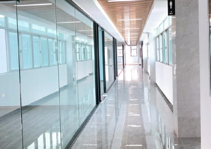 福永新装修出大小面积办公室65平图片6