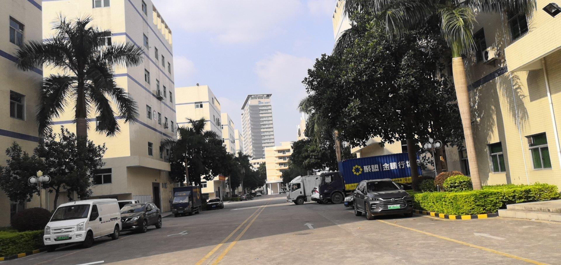 深圳市龙岗区布吉高速路口旁边花园式工业园原房东一手厂房出租