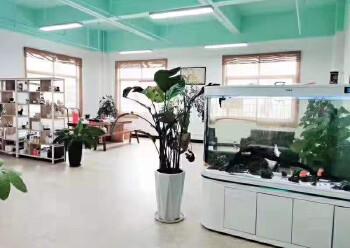 龙华大浪新出楼上带精装修办公室1500平面积出租图片3