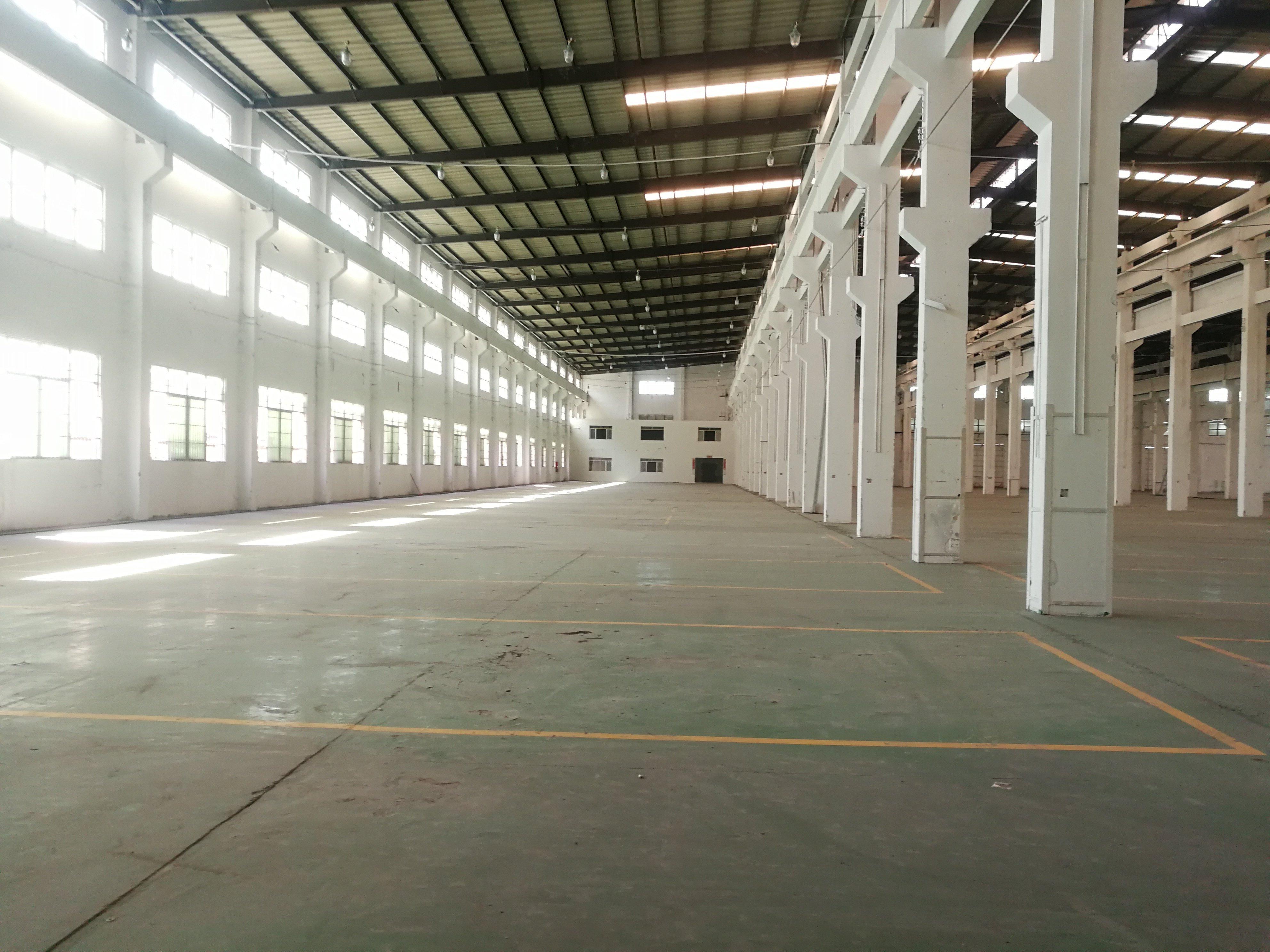 大沥镇可架50吨行车厂房15000方出租。