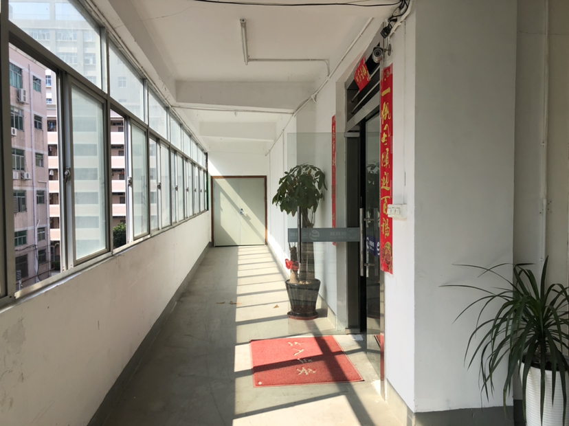 福永和平高新园区整层800平米。带装修-图3
