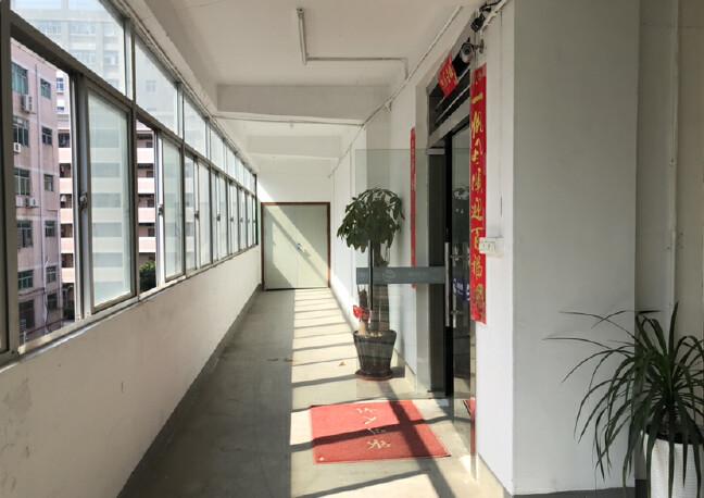 福永和平高新园区整层800平米。带装修