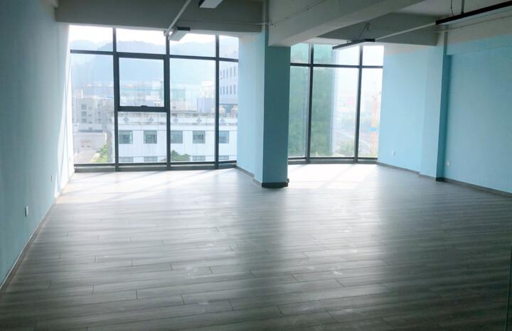 福永新装修出大小面积办公室65平图片5