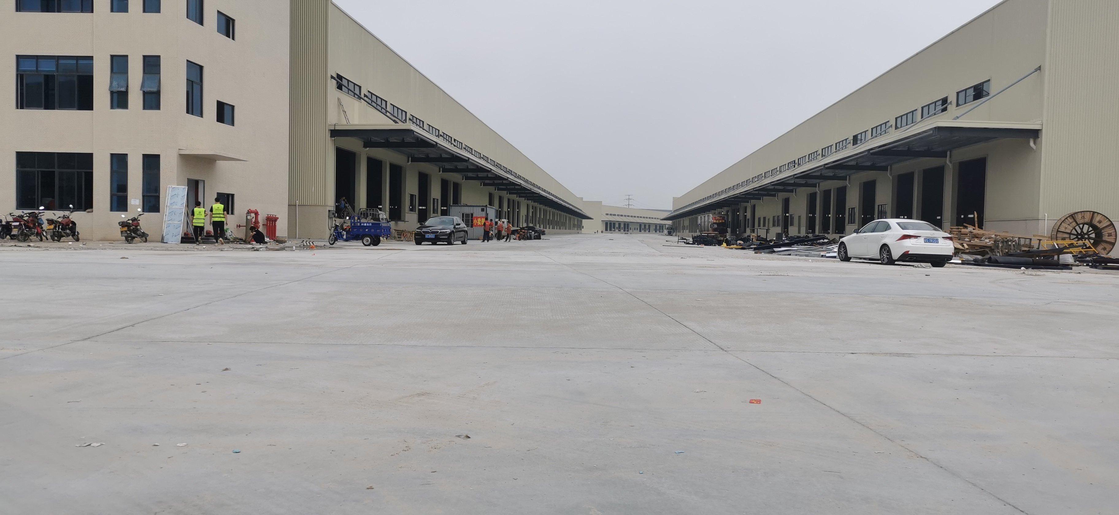 海珠新出国际高台仓21万平出租,证件齐全,丙类消防,可分租