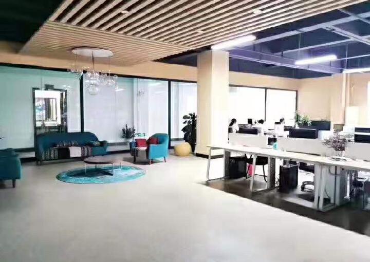 龙华大浪新出楼上带精装修办公室1500平面积出租图片2