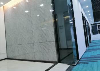 深圳市龙岗区坂田地铁口200米精装修写字楼出租图片1