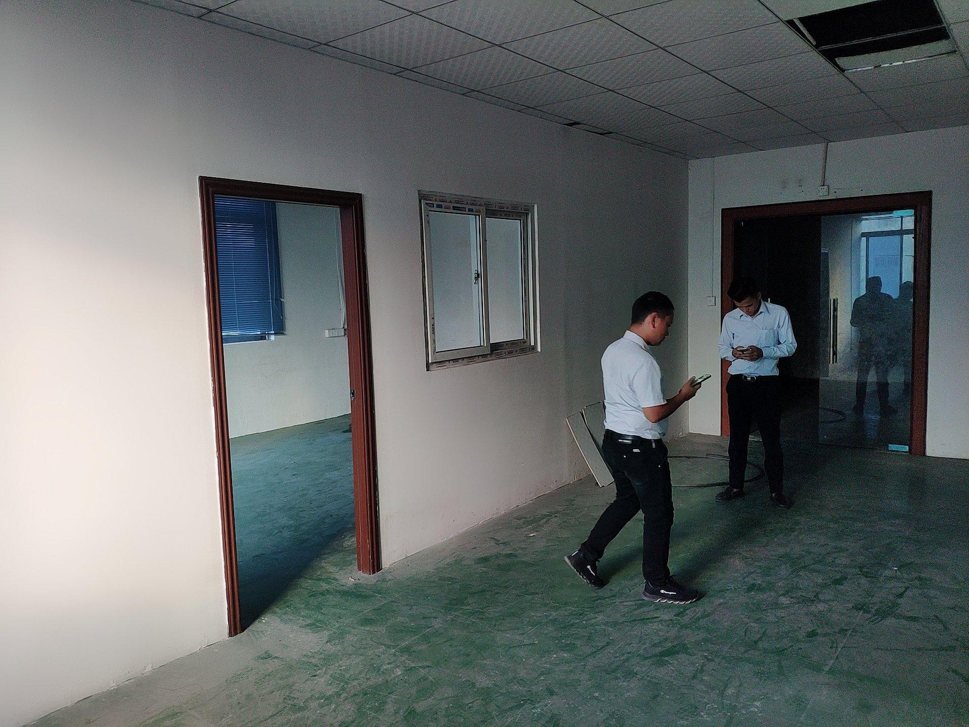 松岗红星复亚医院附近新出楼上厂房300平方带装修原房东实际面