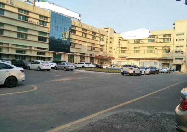 深圳宝安国际会展中心附近,大型工业区,楼上面积整层2300平
