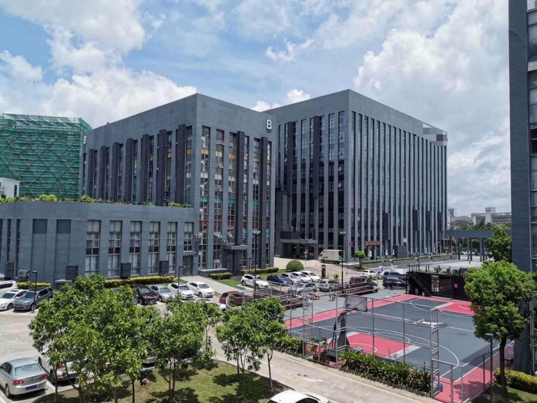 深圳市龙岗区坂田五和大道边上花园式工业园红本厂房一楼招租