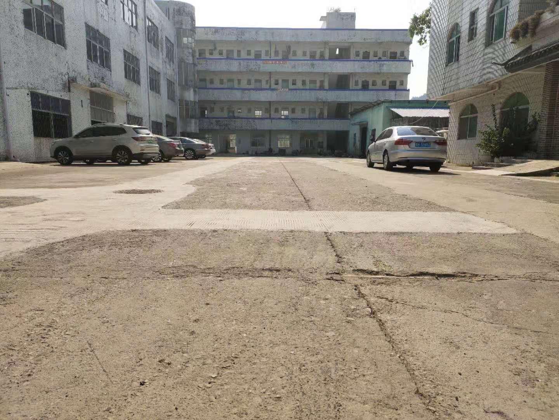 坪山石井新出楼上1200平方厂房可做生产仓库!