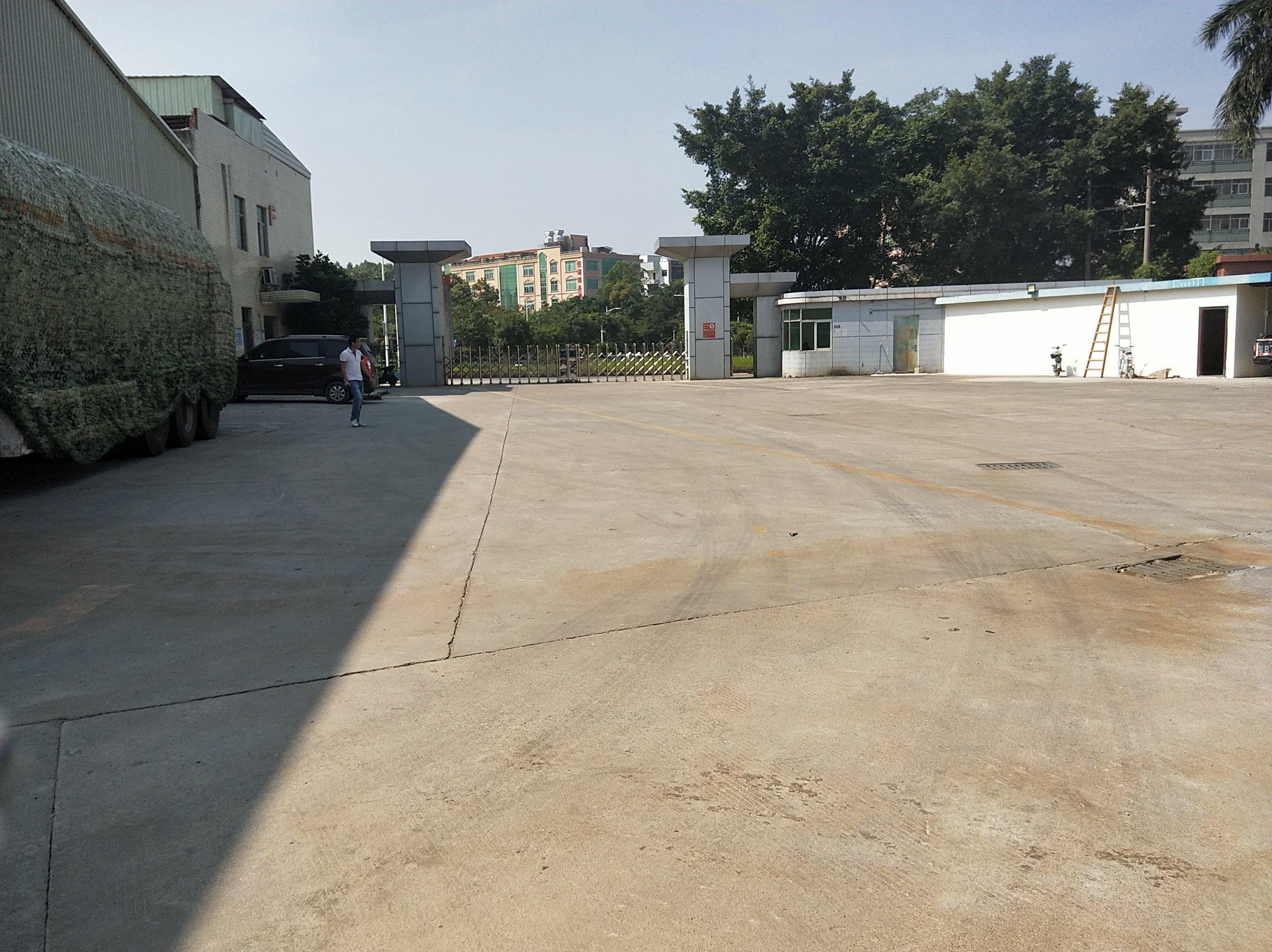 观澜牛湖地铁口附近原房东独院钢构仓库厂房20000平出租。