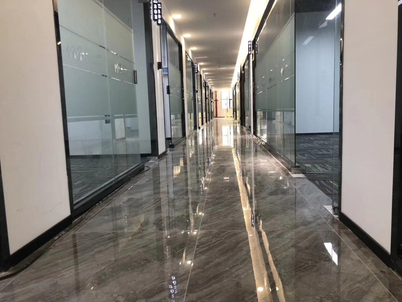 坂田地铁口精装修写字楼,40-500平,大小分租,拎包入住