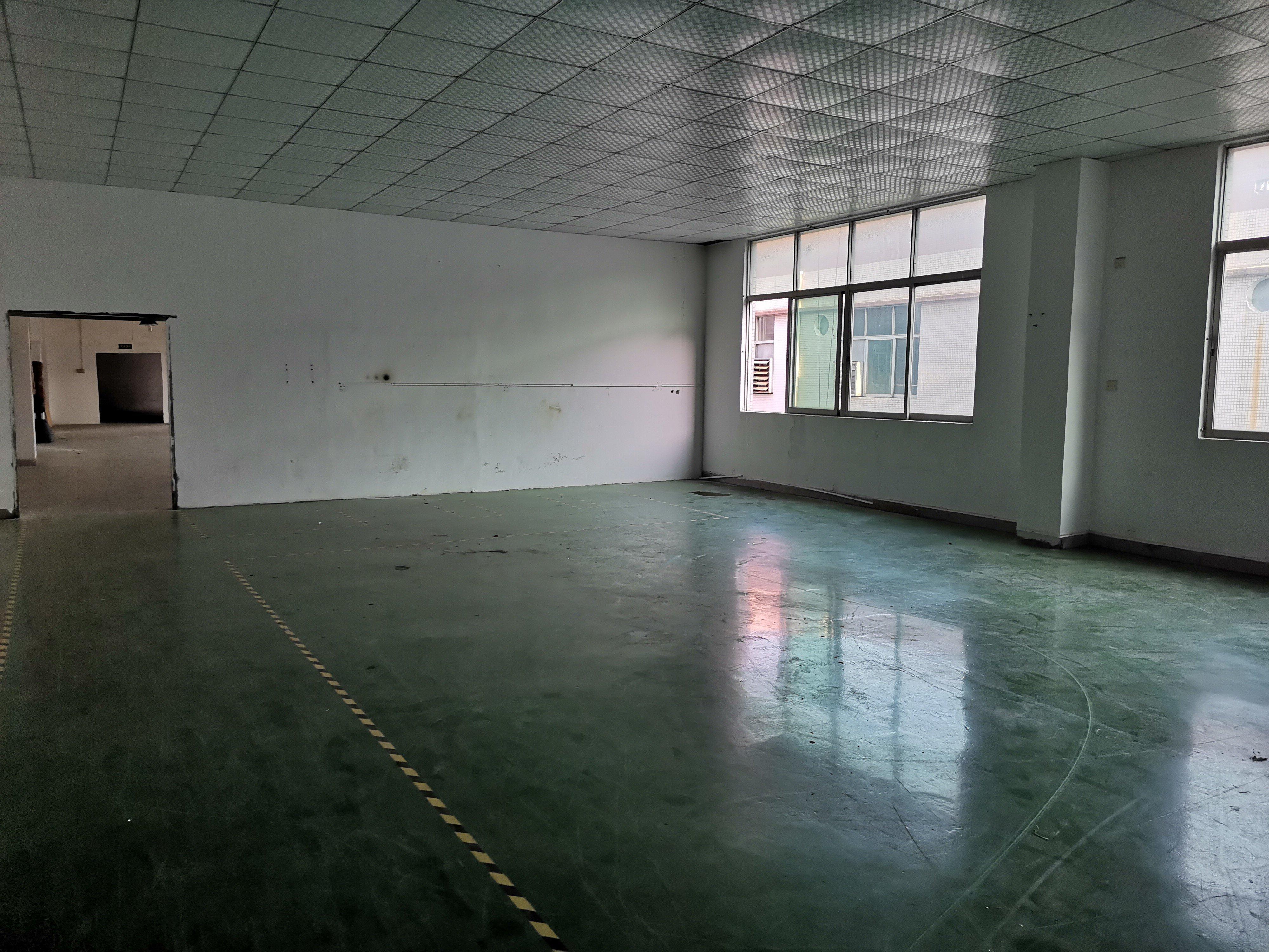 龙华浪口新出楼上300平适合5金cnc
