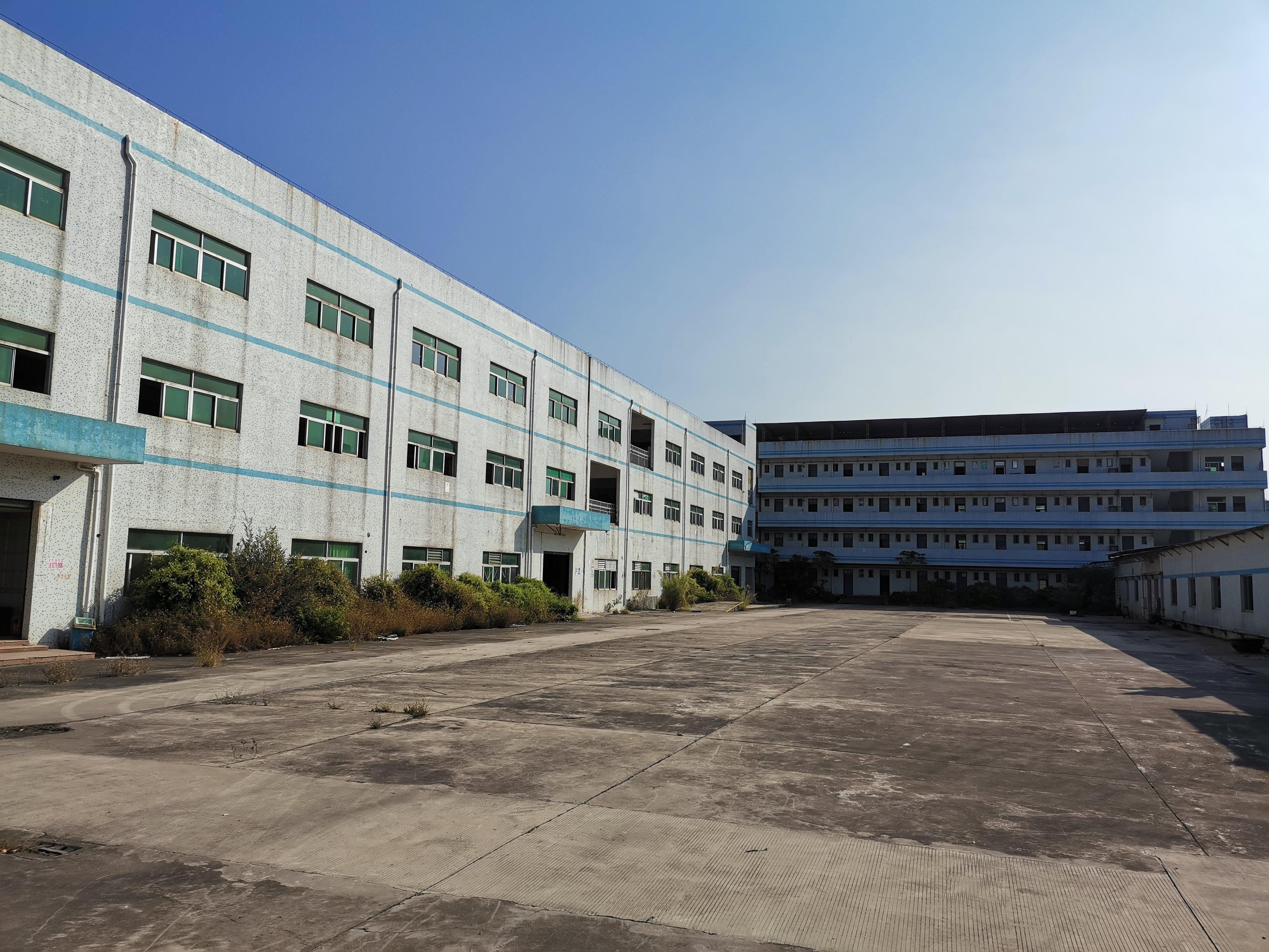 坪山坑梓主干道边独门独院厂房9900平米证件齐全出售