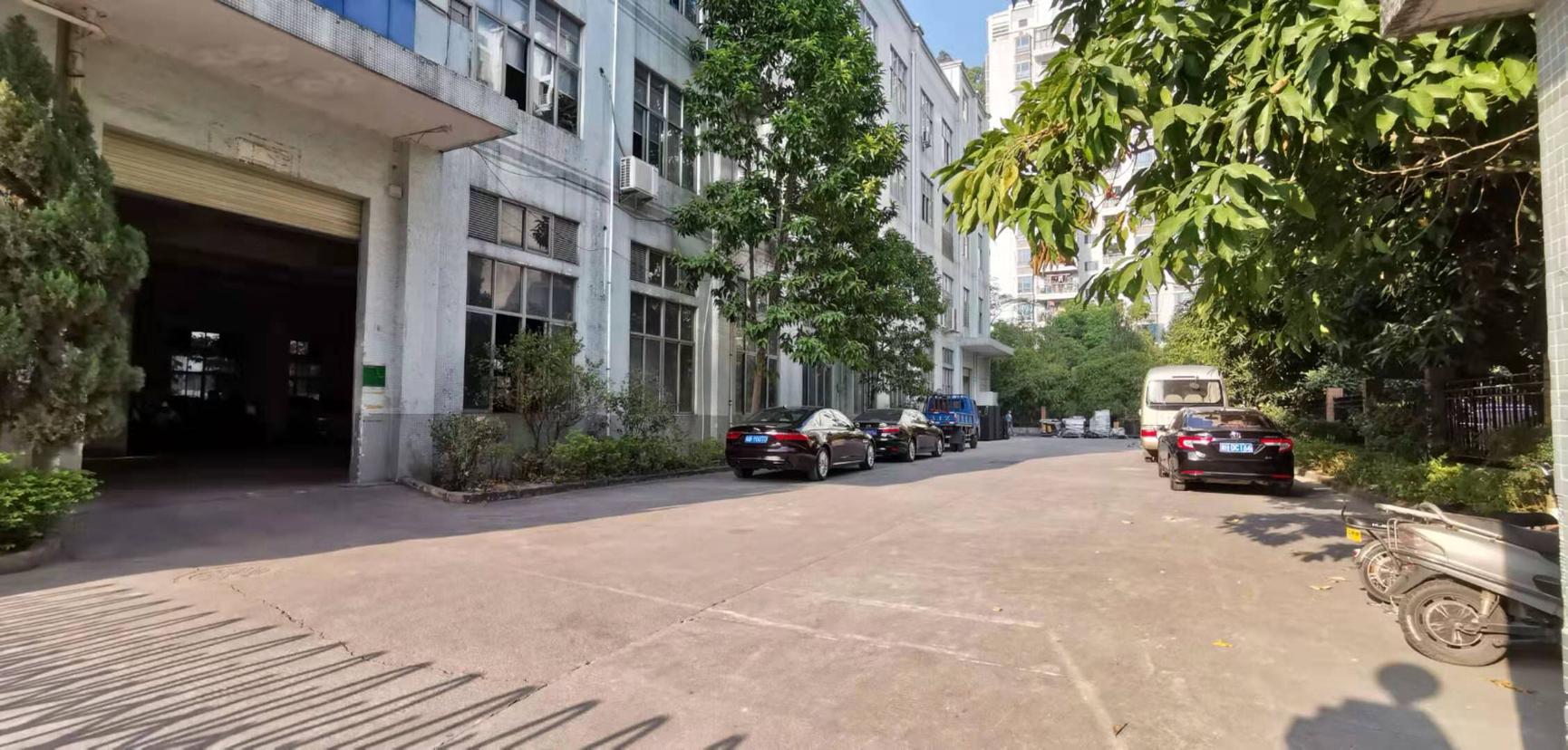 龙华大浪商业中心厂改1600平办公室,仓库出租