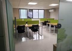 出租江夏地铁口工位300元豪装小型办公室1000至3000元