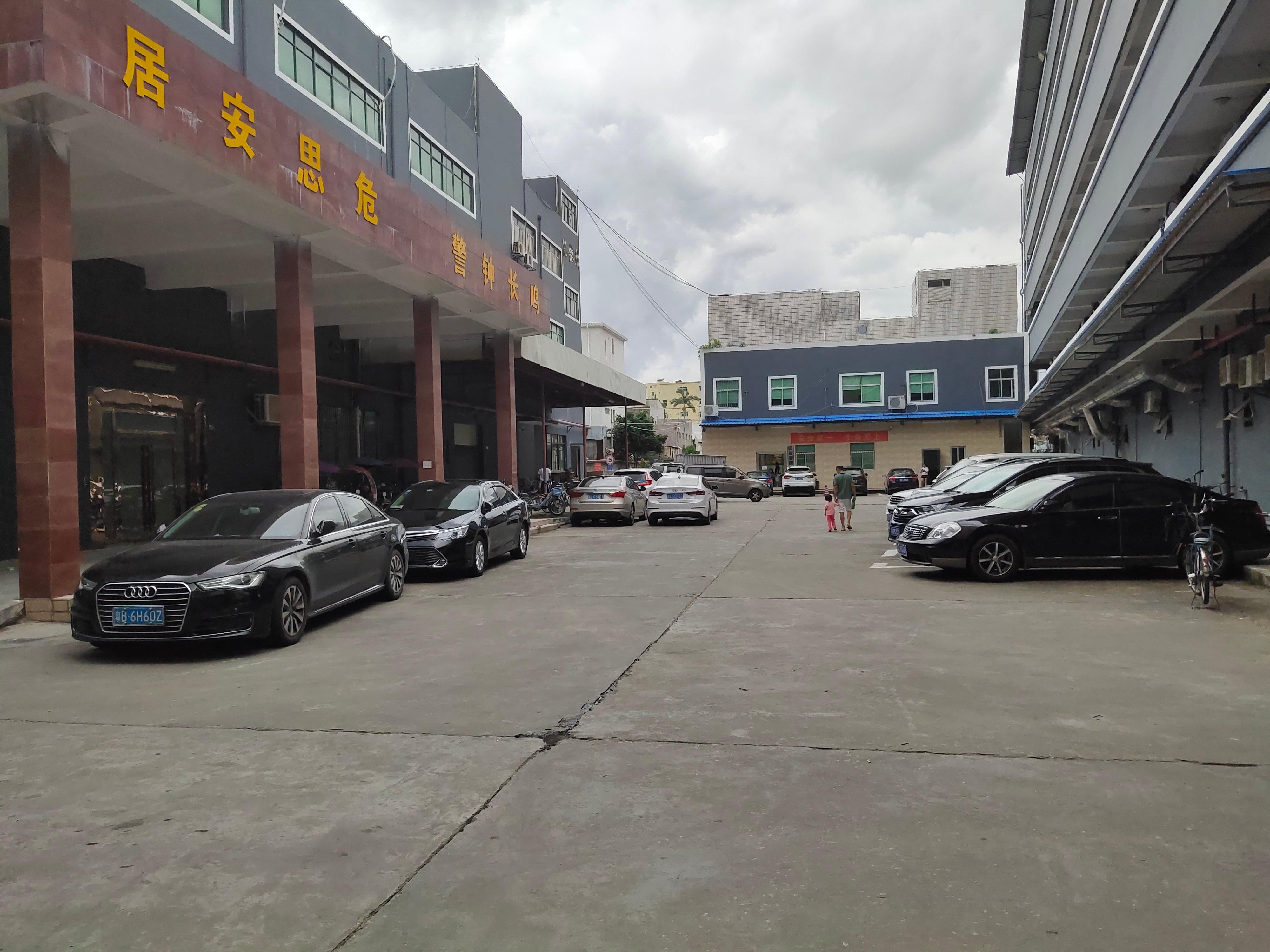横岗塘坑地铁站300米一楼500平标准厂房招租