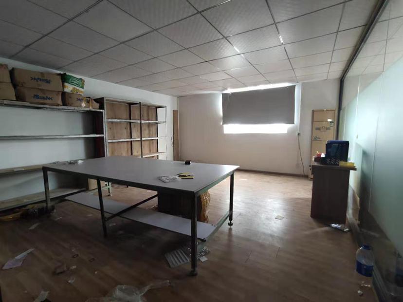 西乡固戍精装园区厂房100平,带装修,适合仓库办公