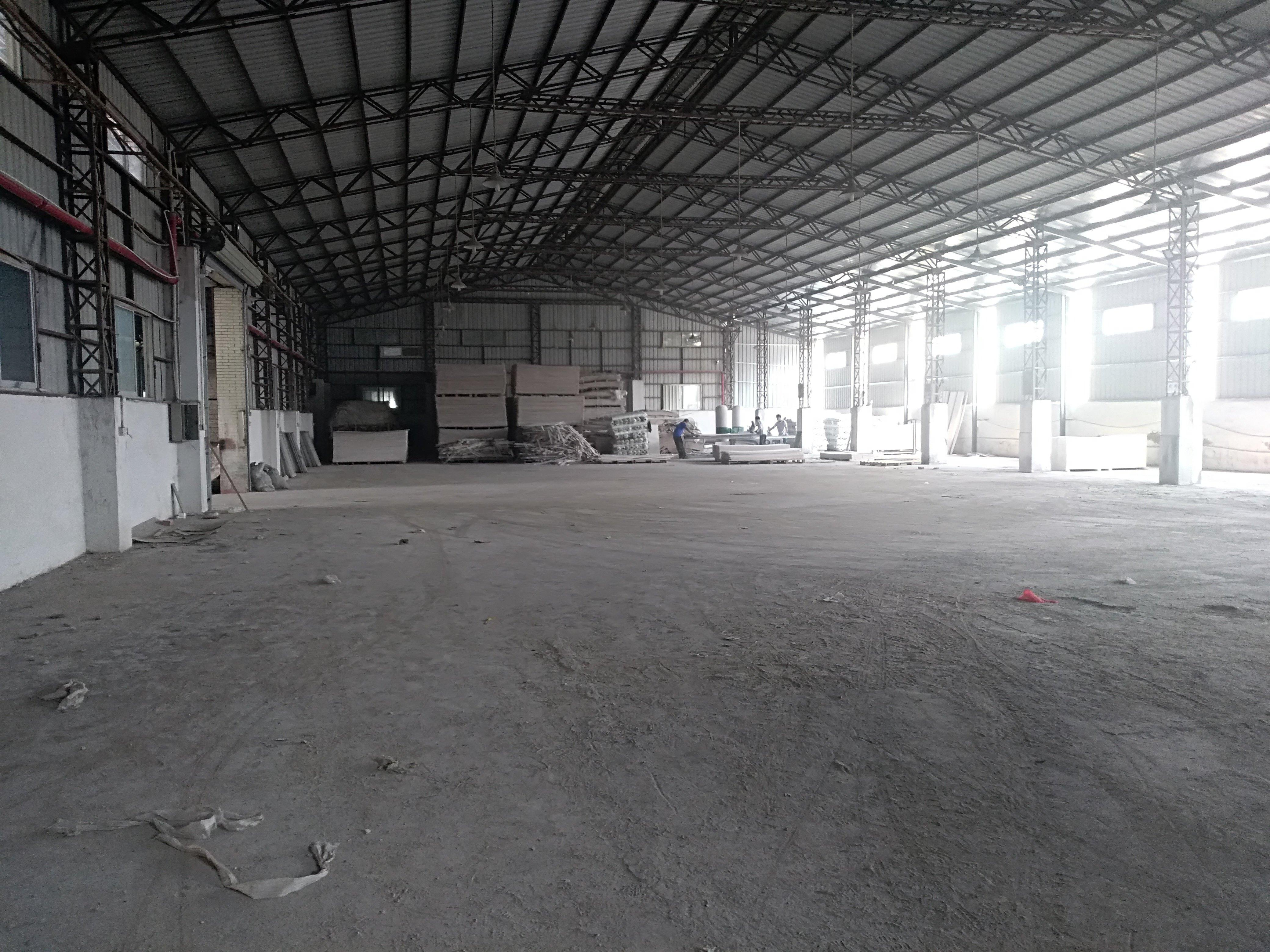 本地房东出租小独院钢构4000平方,可以做仓库,交通便利可以