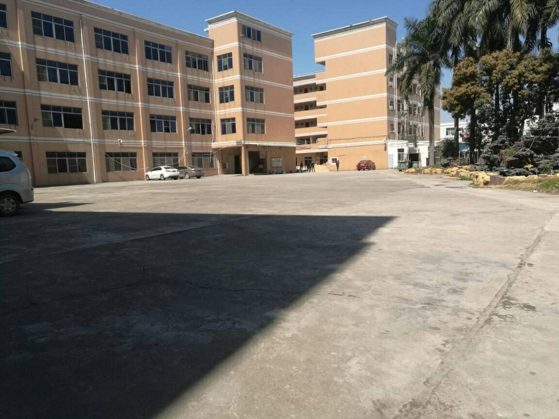 平湖辅城坳,标准厂房仓库,一楼1000平方,带装修