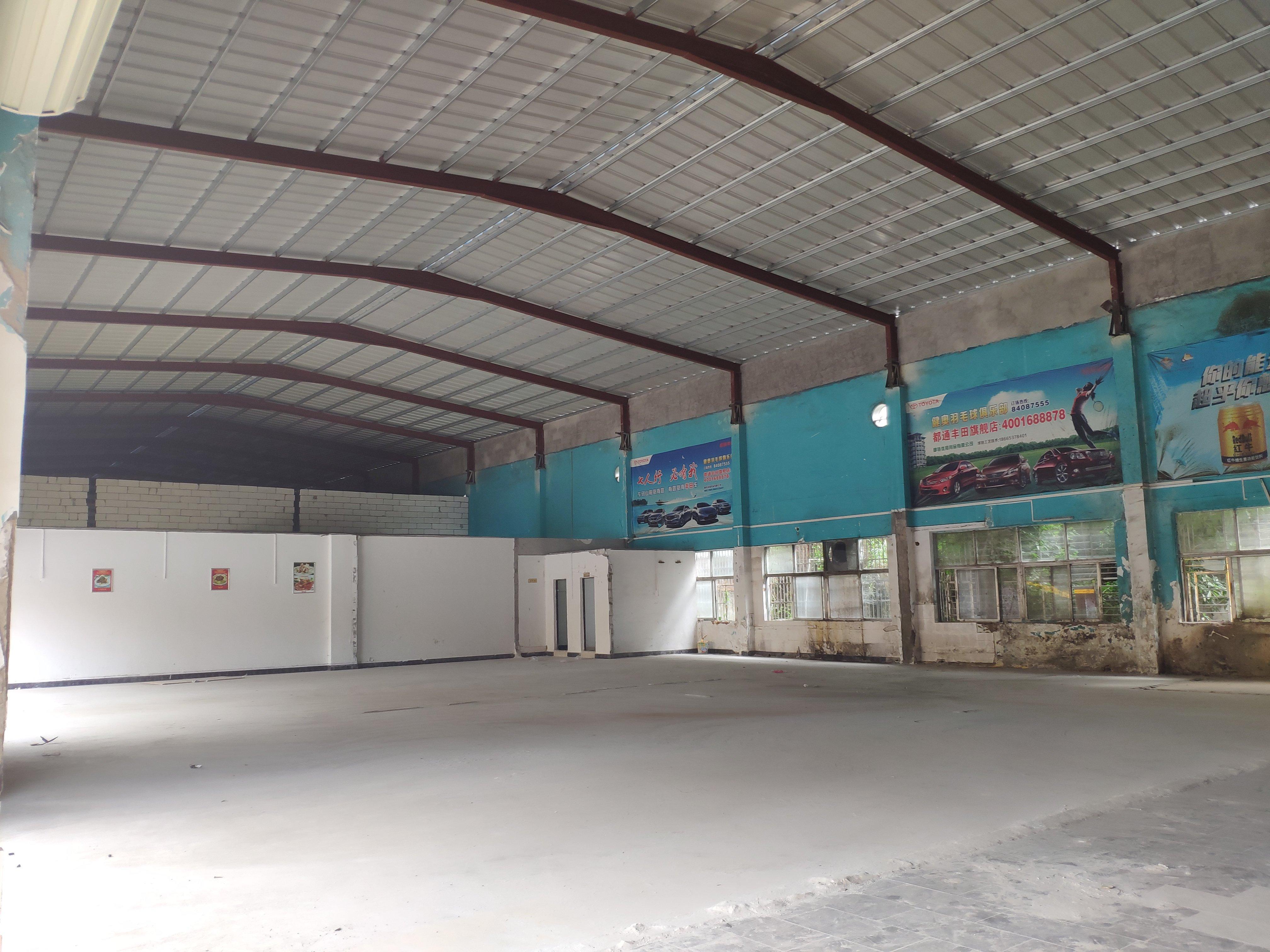高速路口仓库厂房出租,滴水8米,空地大,交通便利