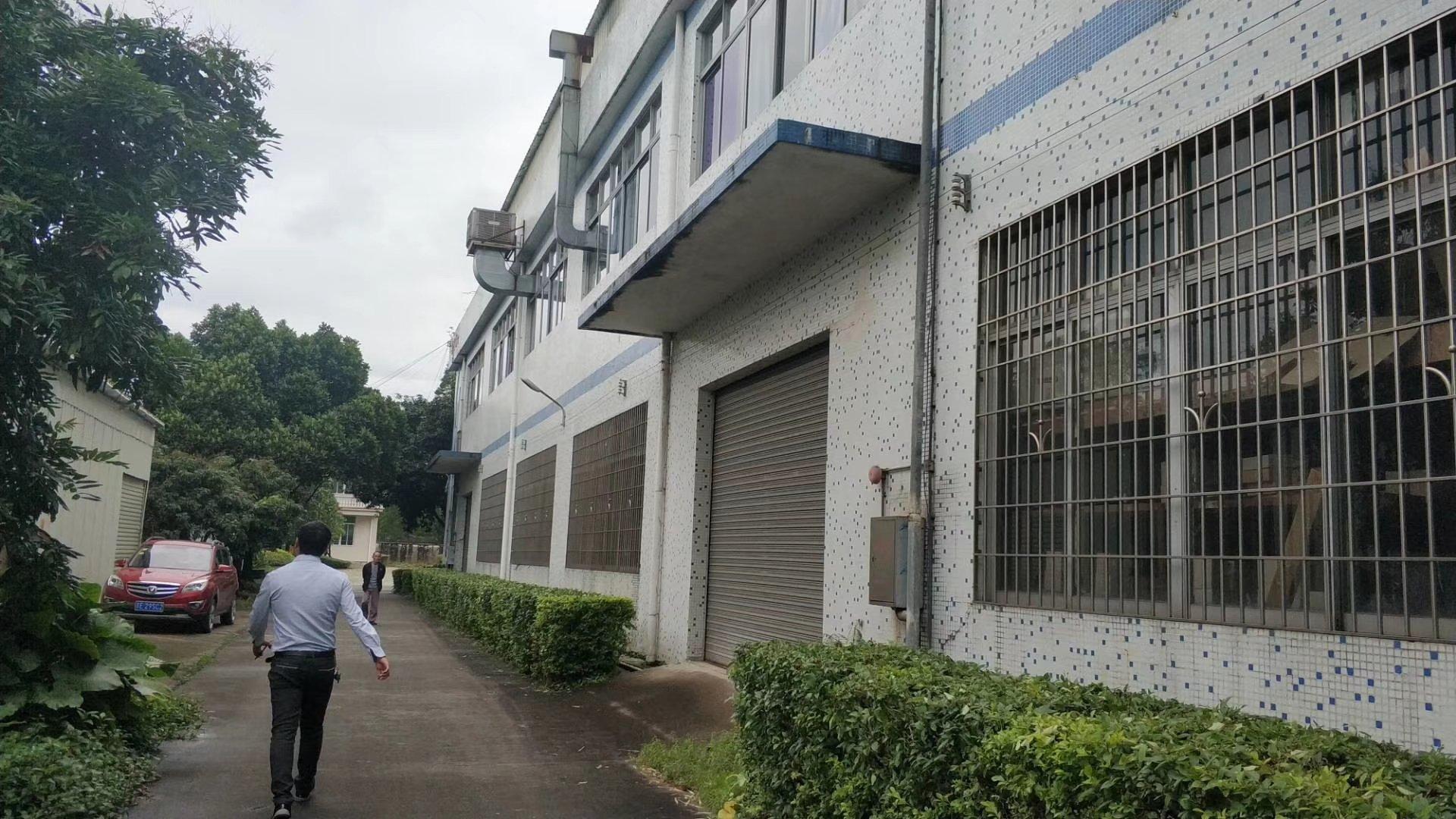 荔湾区花园式厂房出租,2600平方