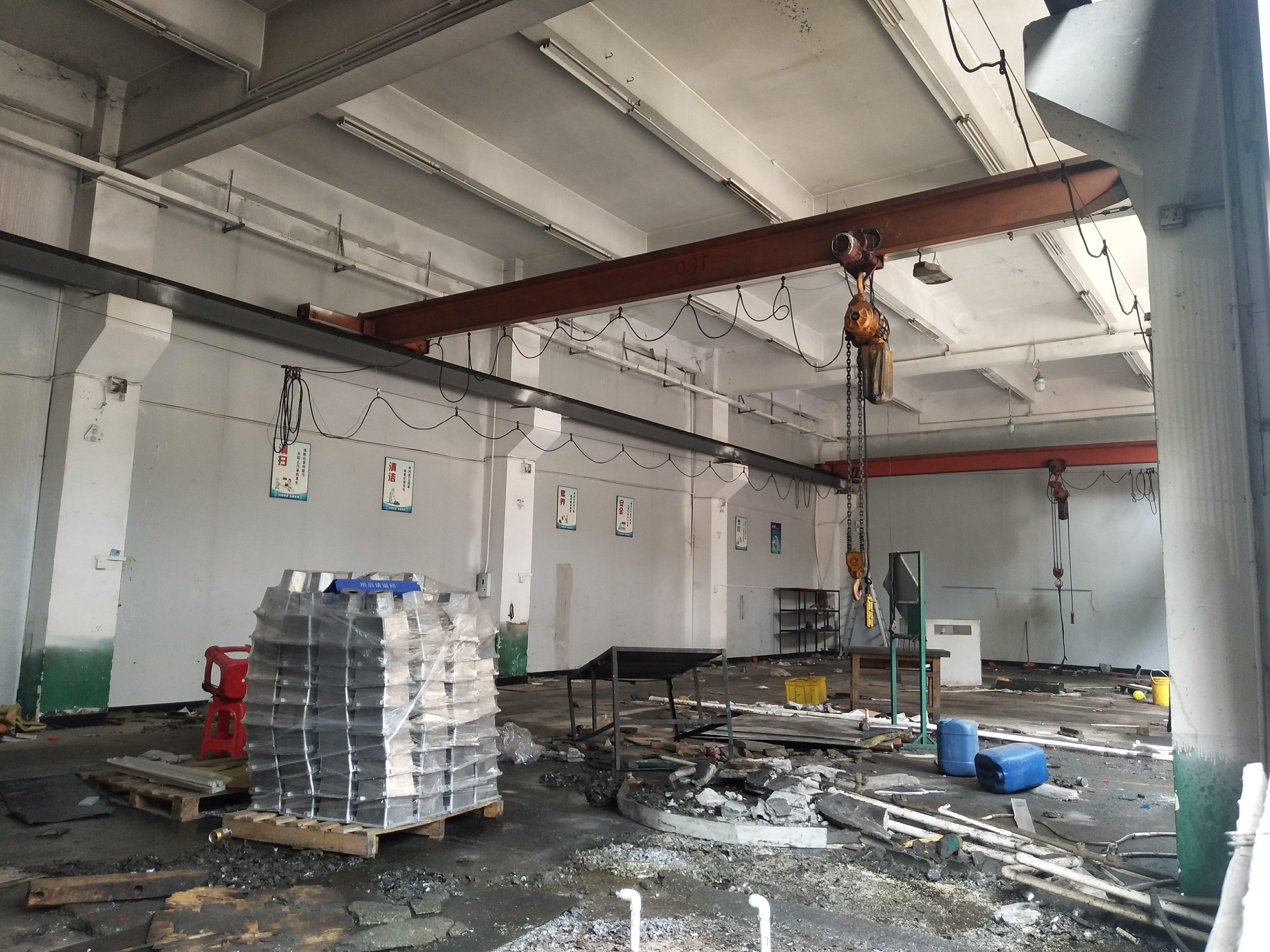 松岗楼岗义乌商贸城附近一楼700平整层标准厂房出租