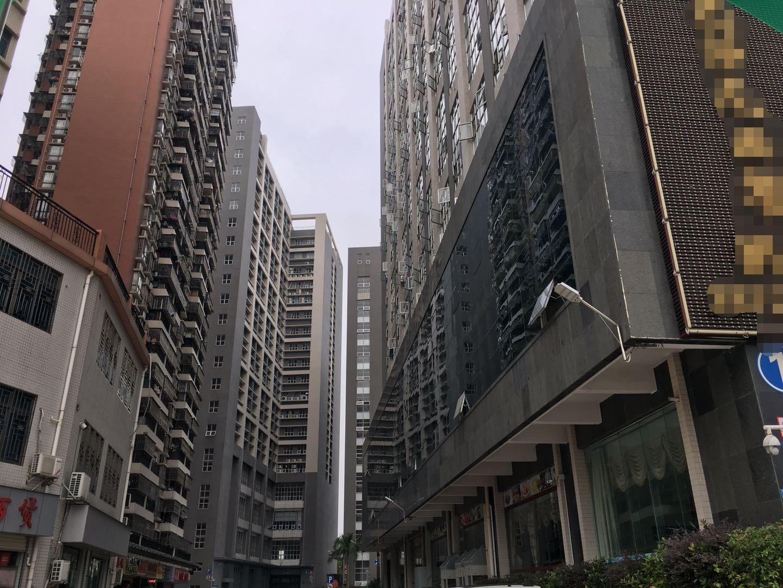 布吉李朗高端厂房四楼2000平实用八成