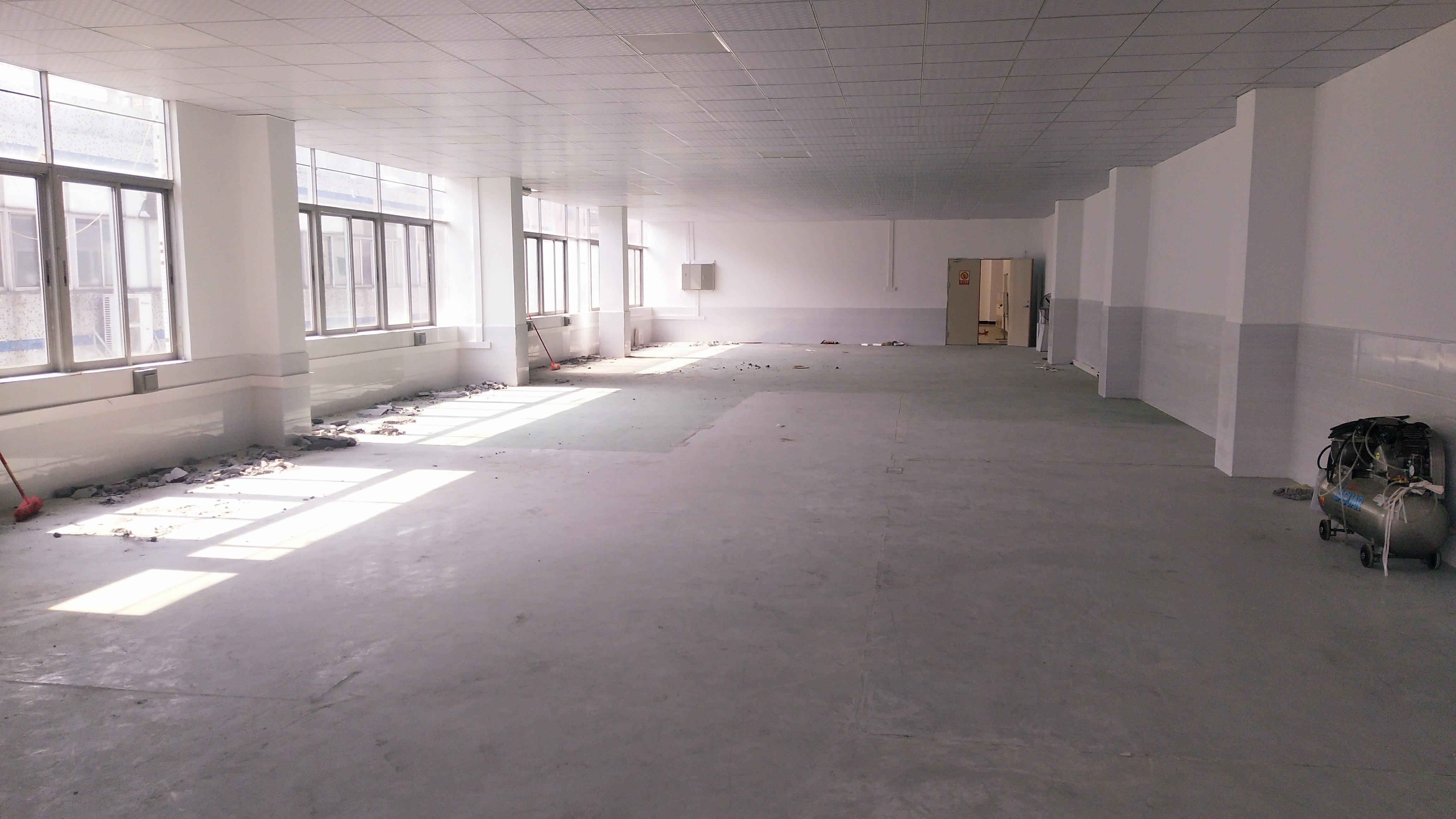 公明新出2楼厂房1398平现成豪华装修20万