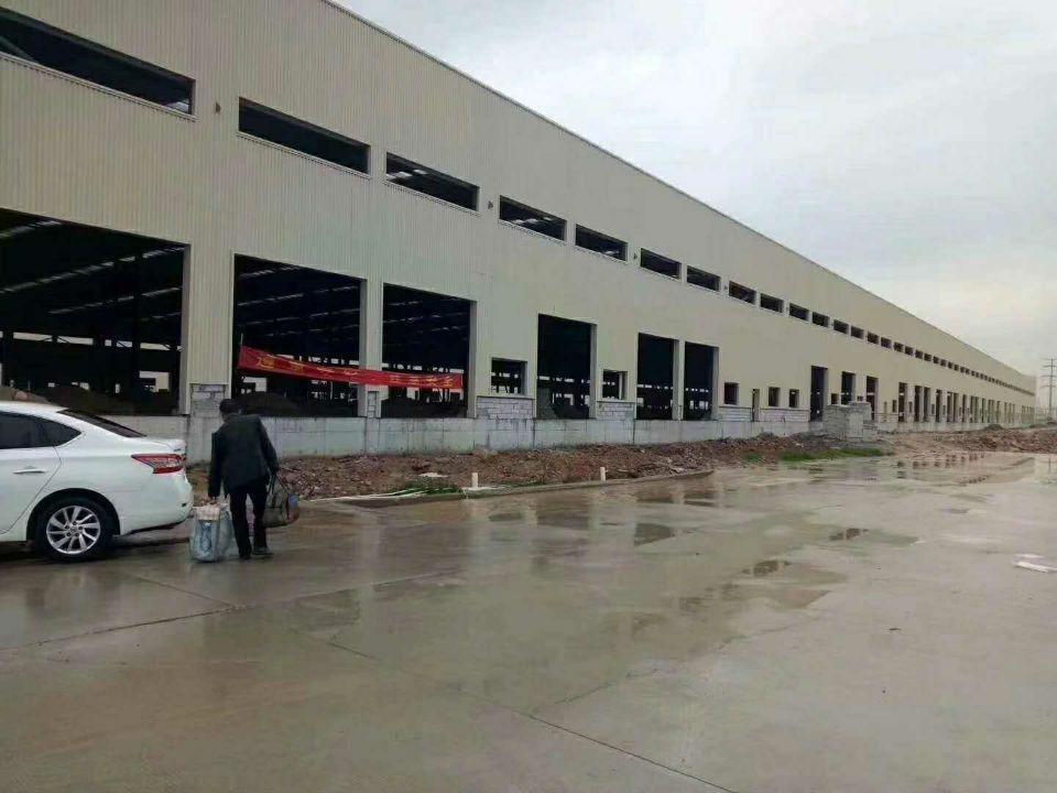 大岭山镇新出全新物流钢构仓库,大小可以分租,空地超大,价格低
