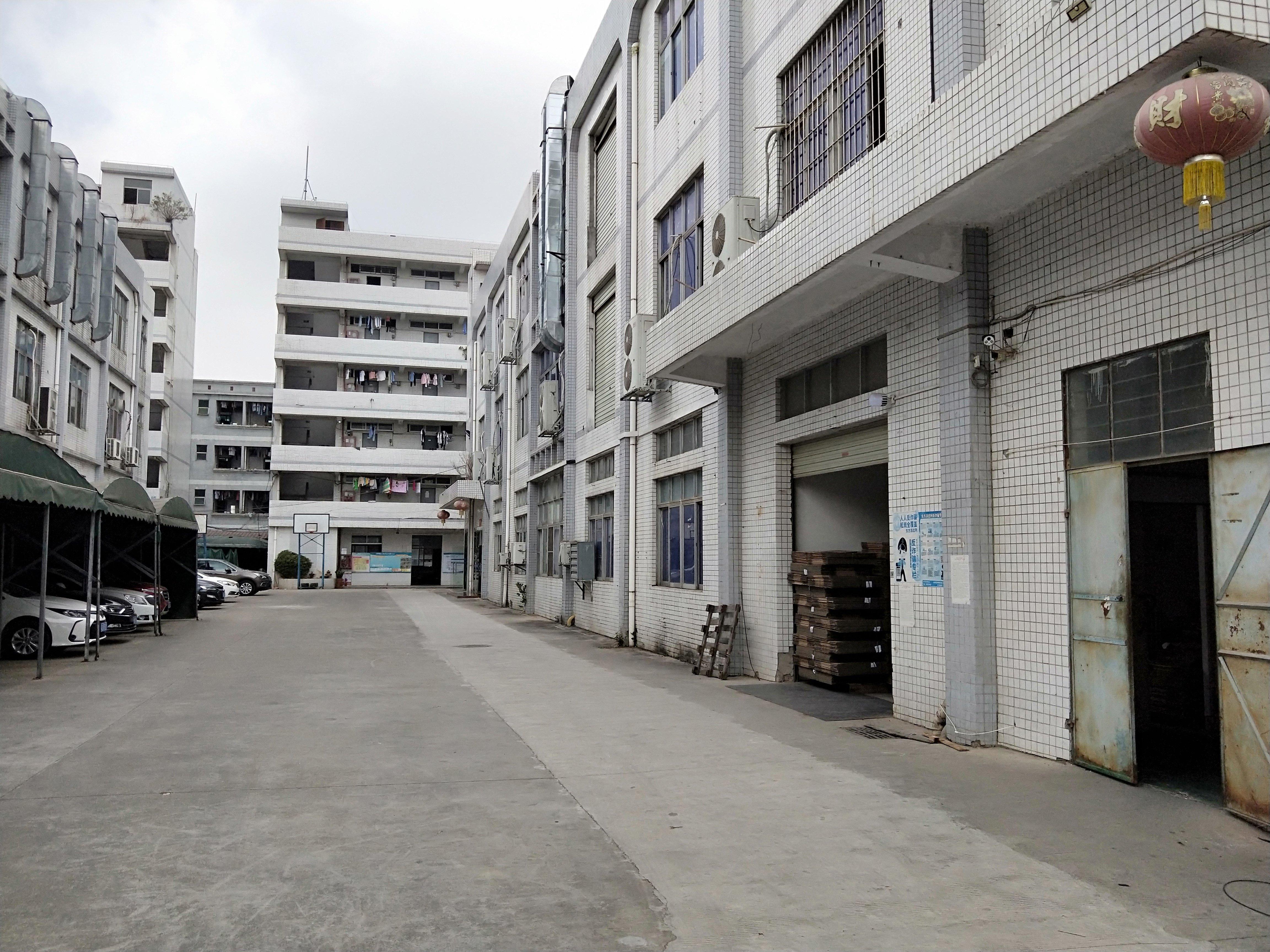 松岗大田洋一楼二楼各1500平精装修厂房出租可分租