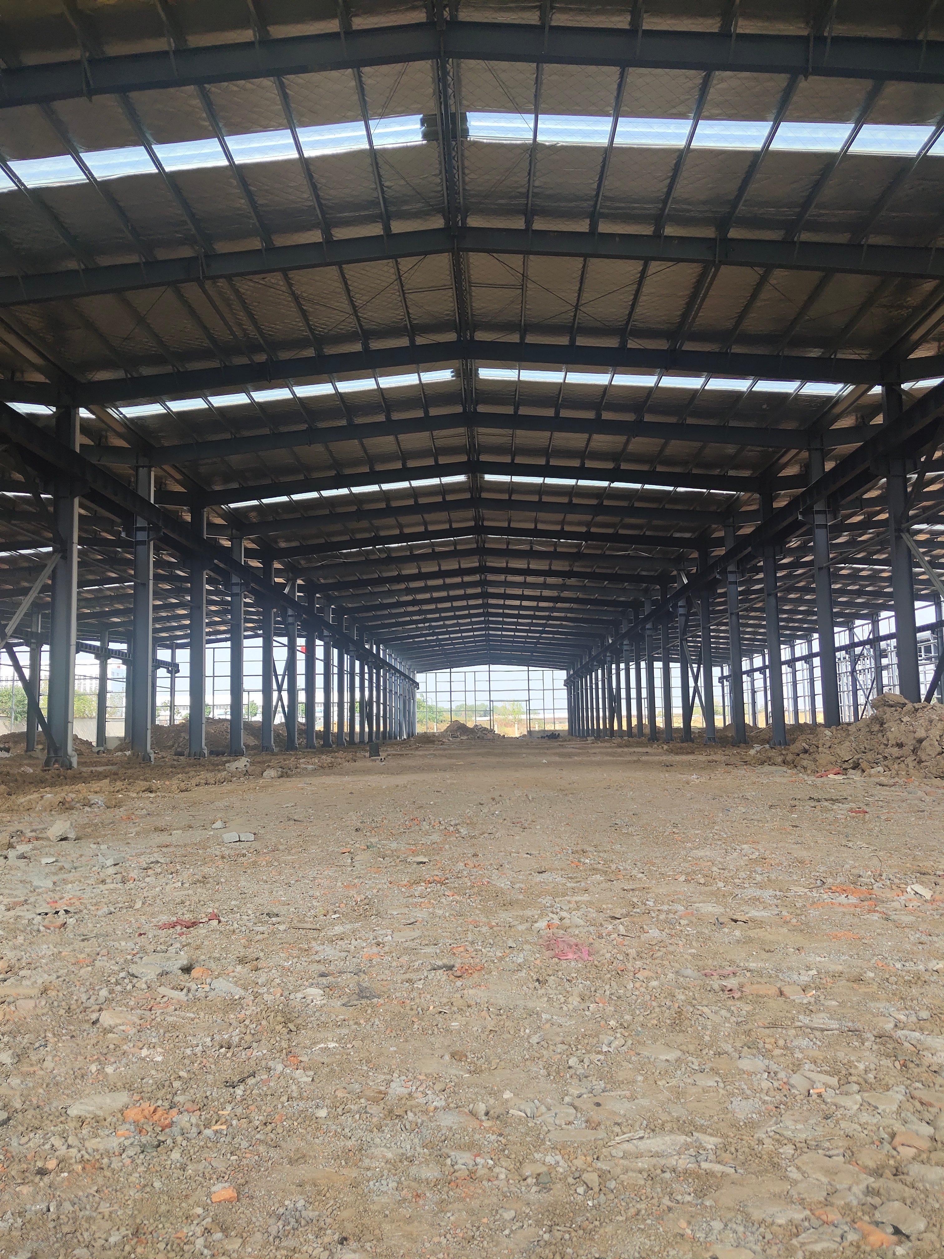 售前川24米跨高标钢构厂房,高11.8米
