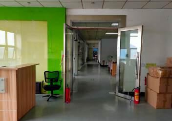 松岗大田洋新出楼上2200平方精装修厂房图片4