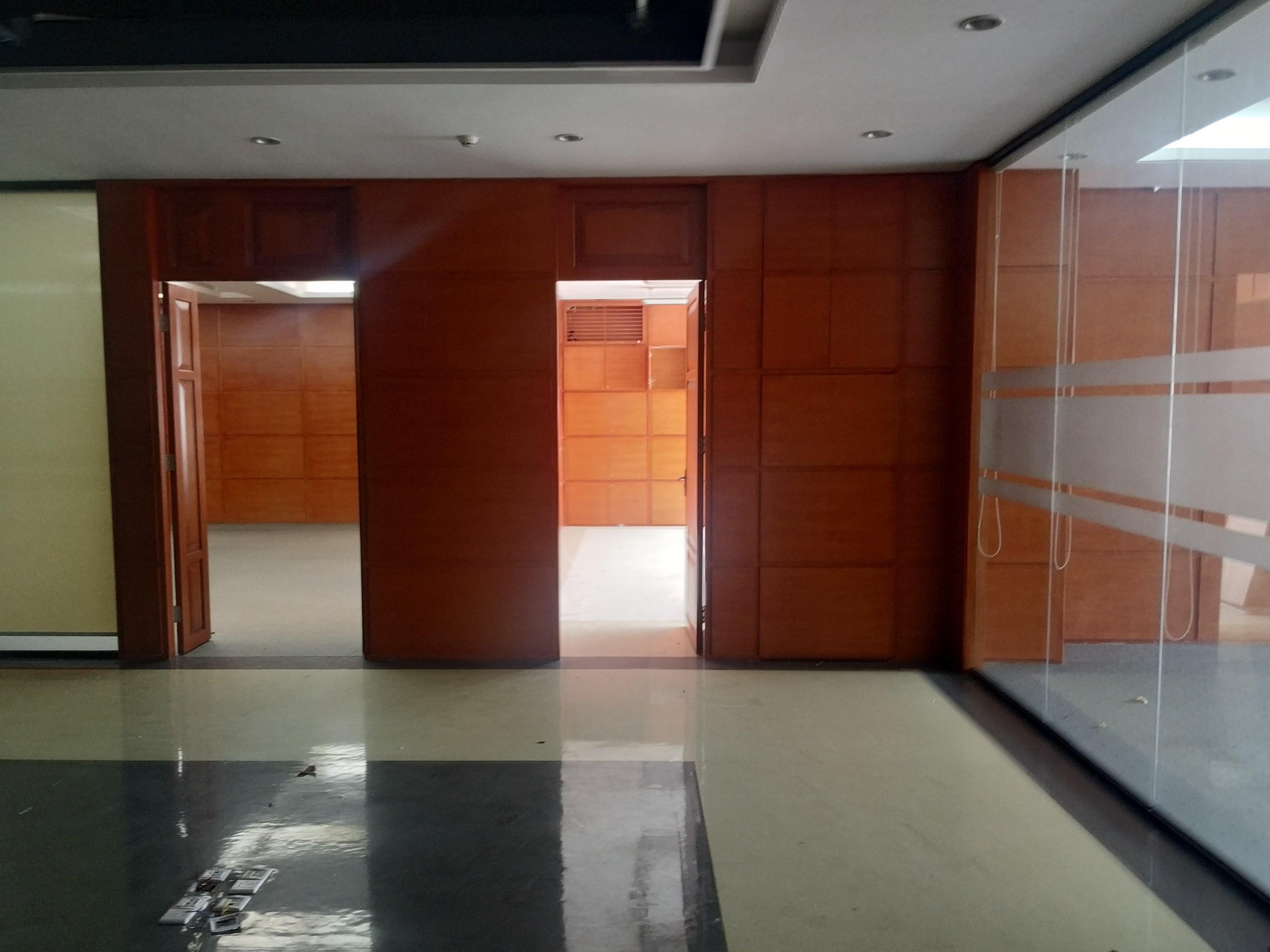 坪山大工业区楼上现成装修贸易办公室和仓库
