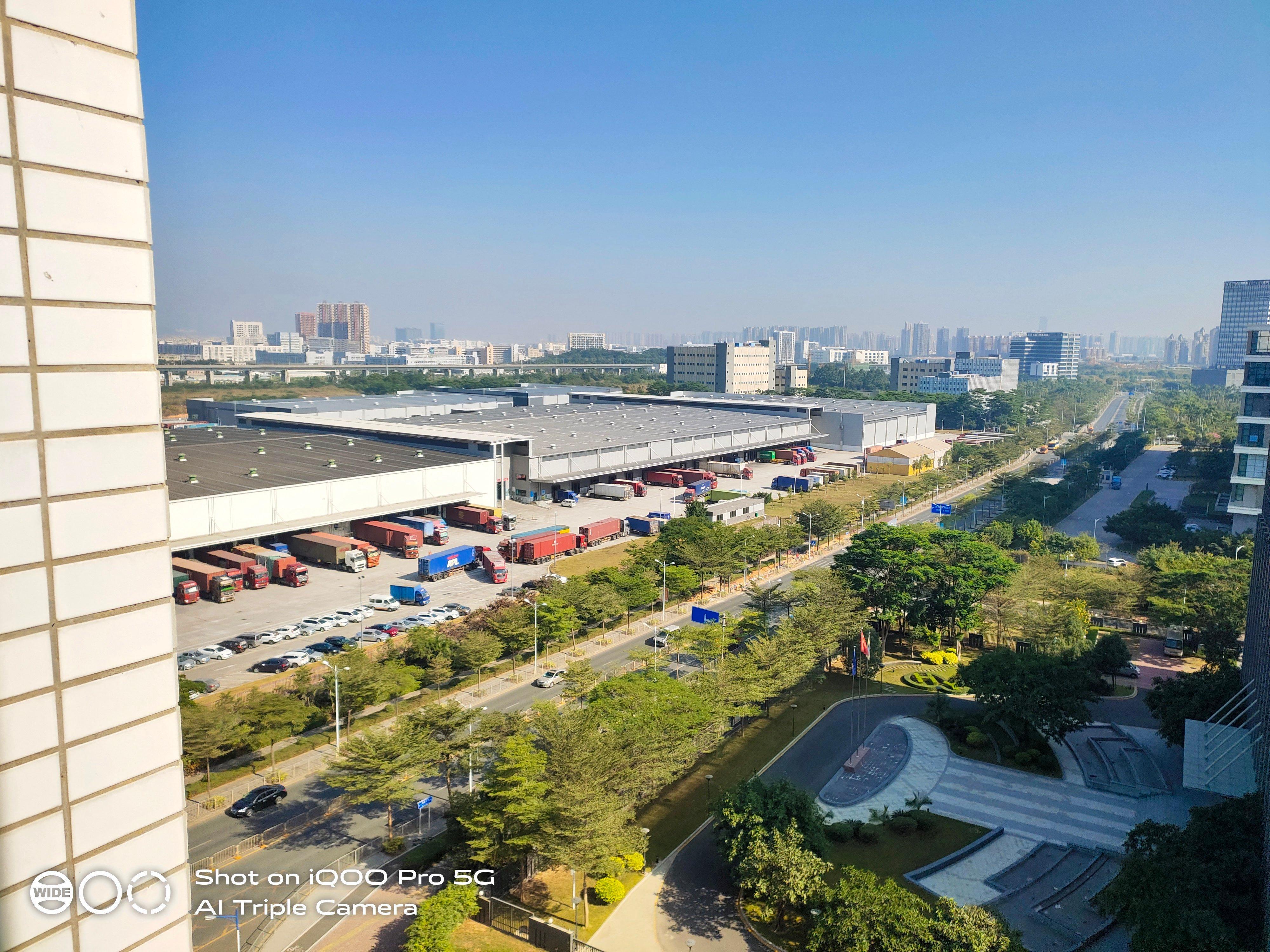 标准物流仓库出租,8万平方。,有卸货平台