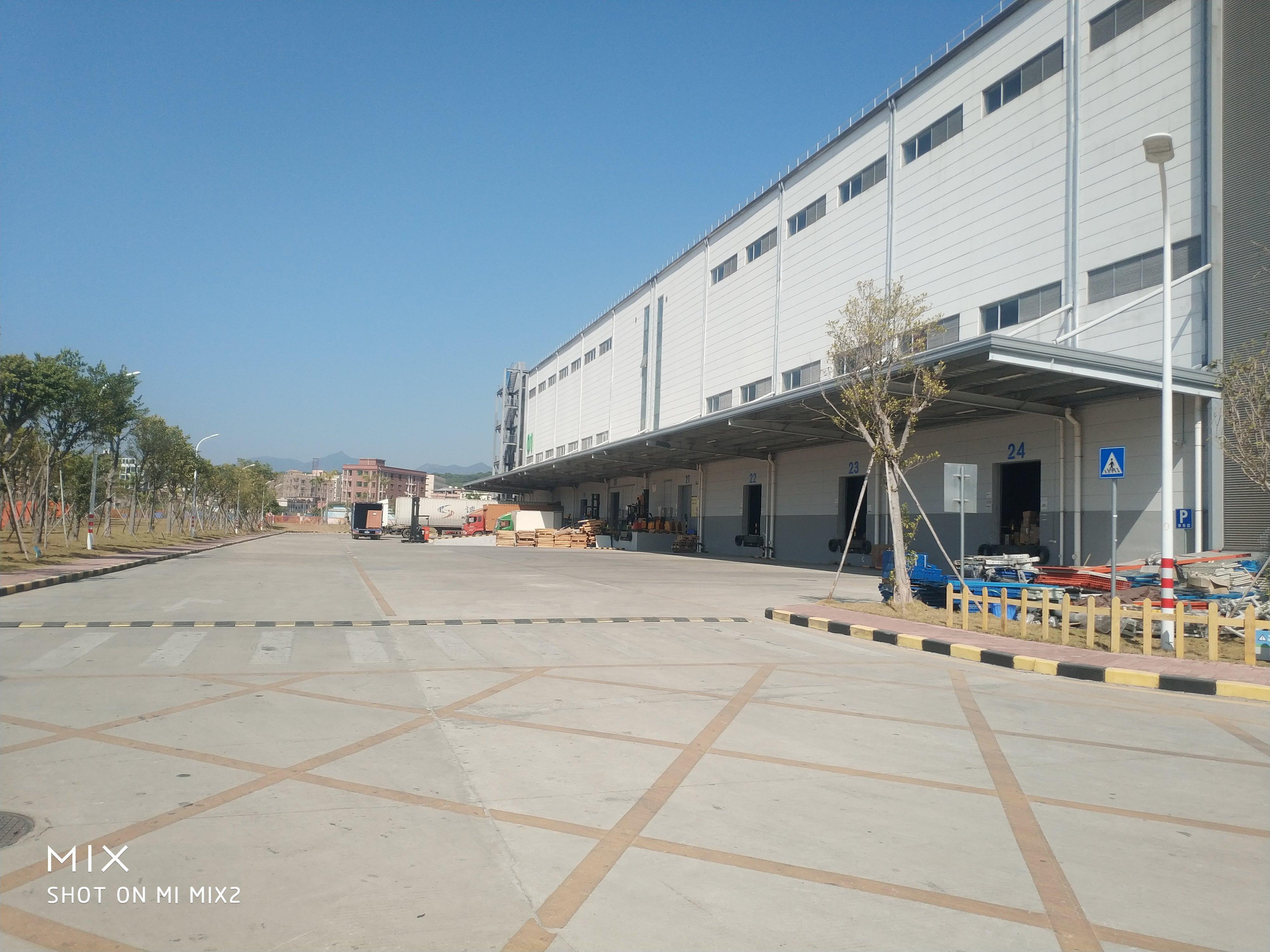 龙华新出物流仓库1000平方,层高8米