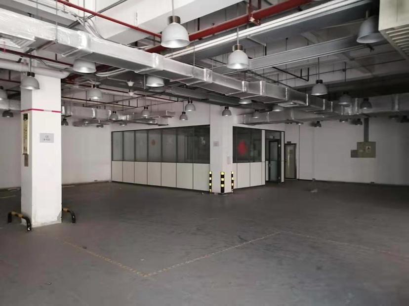 坪山大工业区一楼仓库厂房出租7500平交通好有红本有喷淋
