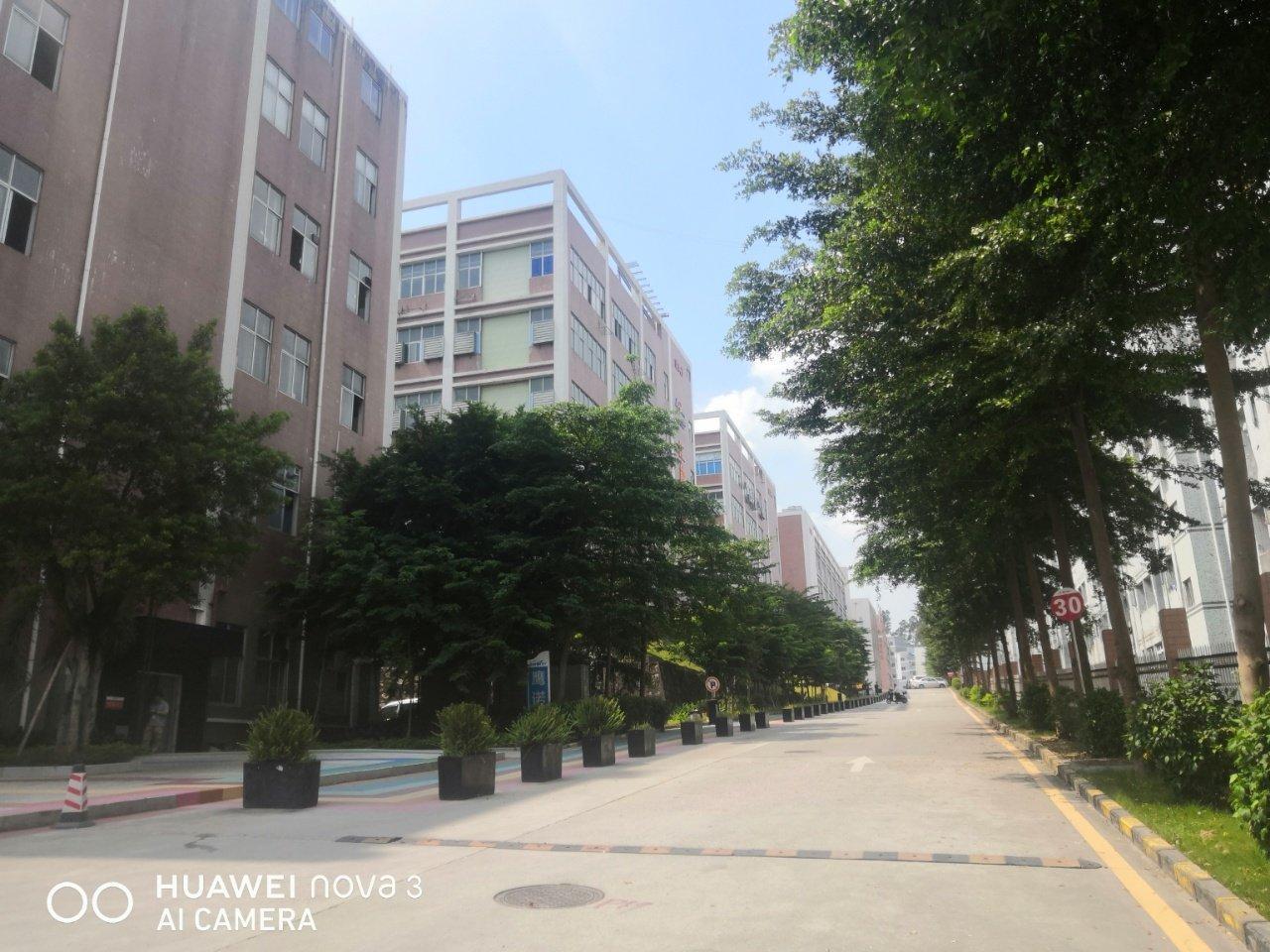 石岩福龙路口红本独院1/5层12500平方仓库出租,可分租