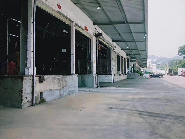 石岩靠近光明新区7000平方物流仓库出租,可分租
