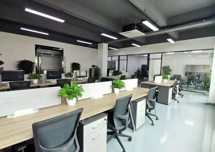 西乡站精装办公室配家私空调直接拎包入住233平3+1图片2