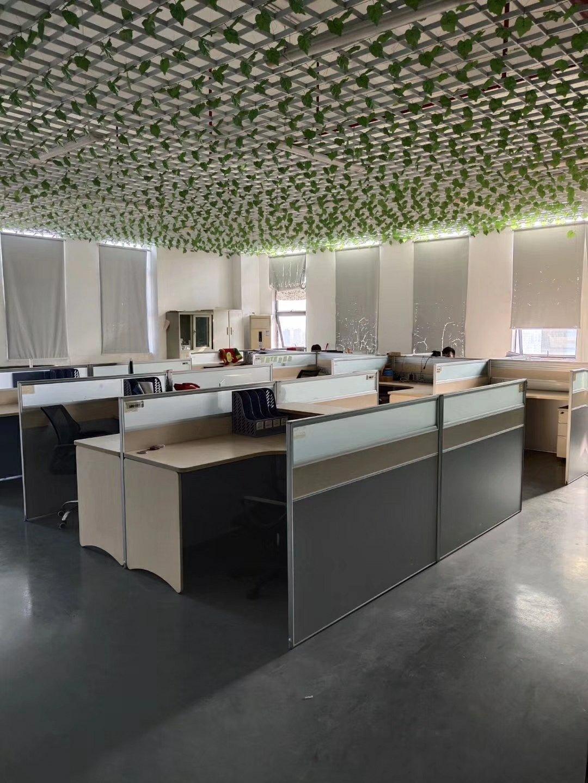 公明松柏路边新出楼上厂房1200平豪华精装修。