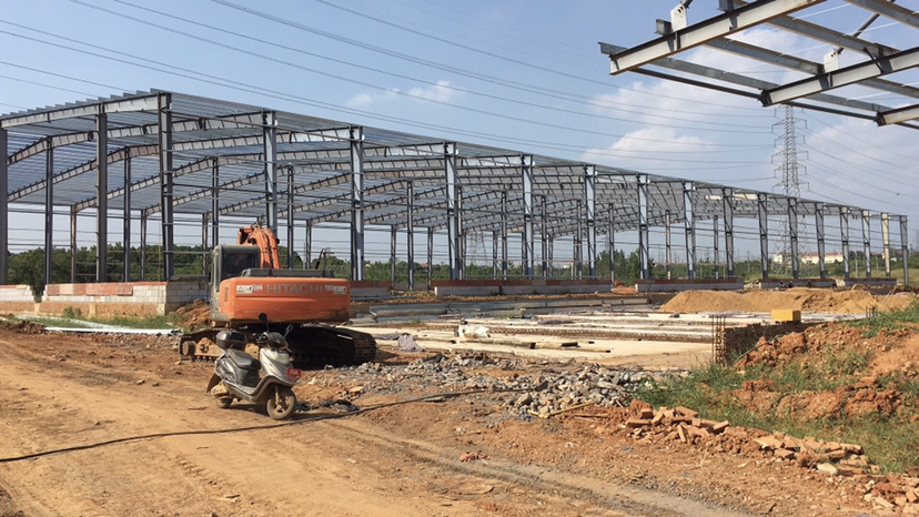 黄陂汉口北工业城附近钢构厂房出租,最小500起。