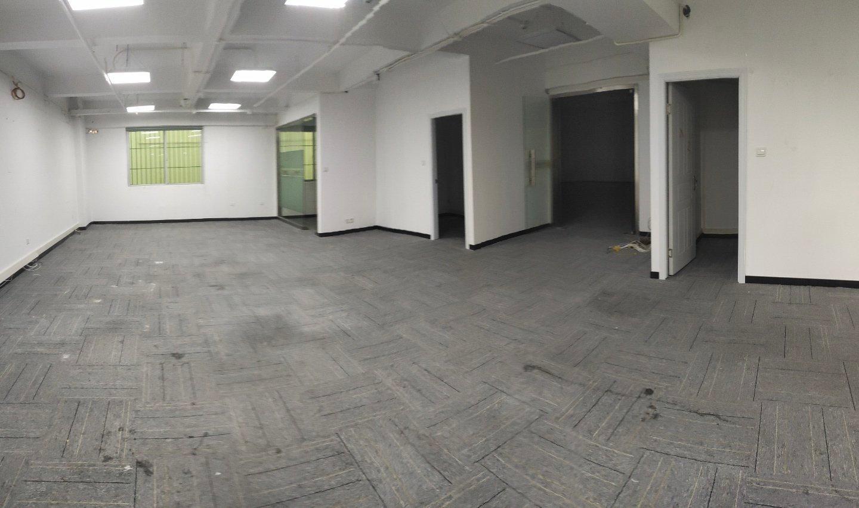 大学城地铁口一楼150平厂房出租